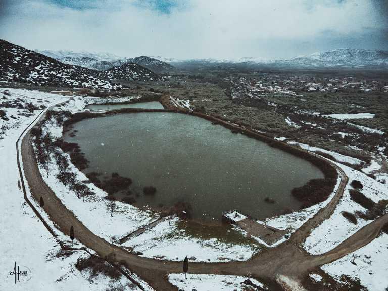 Καιρός – Λάρισα: Βόλτα με drone σε γωνιές της πόλης που ντύθηκαν στα λευκά – Δείτε το βίντεο