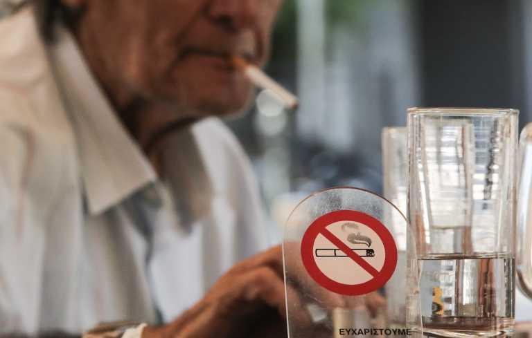 Έρευνα: Το κάπνισμα αυξάνει τον κίνδυνο αιμορραγικού εγκεφαλικού