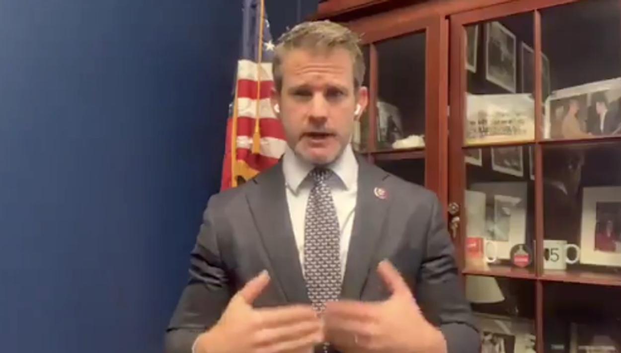 Ρεπουμπλικάνος βουλευτής ζητάει την καθαίρεση του Τραμπ