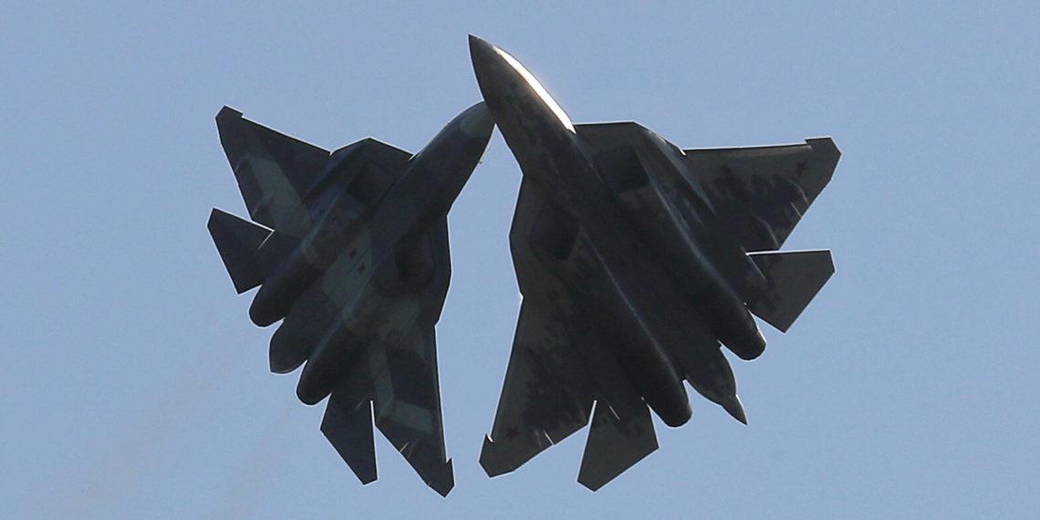 Σκληρές δηλώσεις Ρώσου πιλότου: «Το Su-57 θα διαλύσει το άχρηστο και ανίκανο F-35 σε αερομαχία»