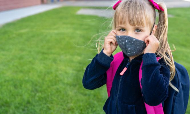Κορονοϊός: Τι σημαίνουν οι νέες μεταλλάξεις για τα παιδιά, σύμφωνα με τον Π.Ο.Υ.