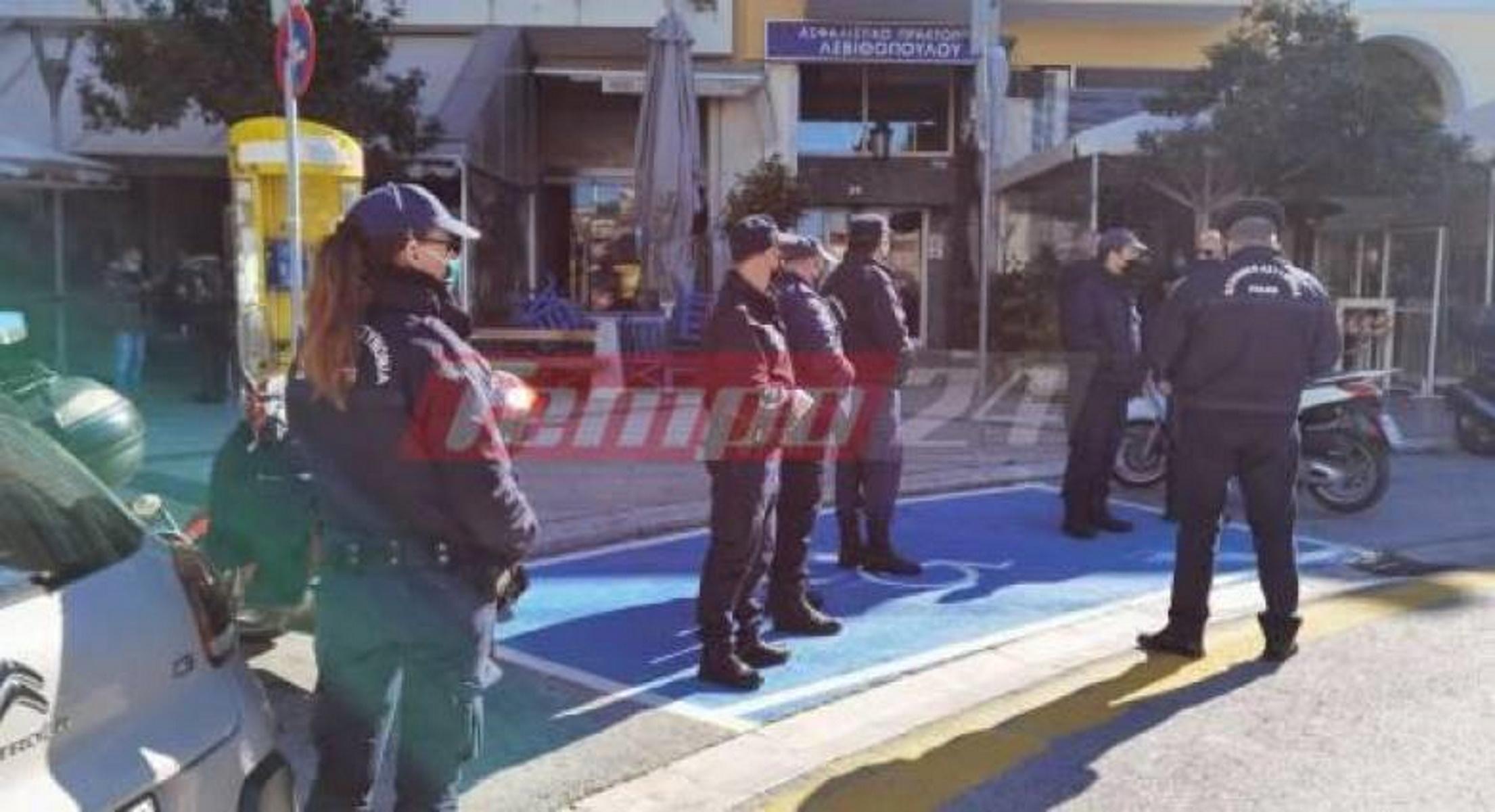 Lockdown – Πάτρα: Αυστηροί έλεγχοι και μπλόκα της αστυνομίας στο κέντρο
