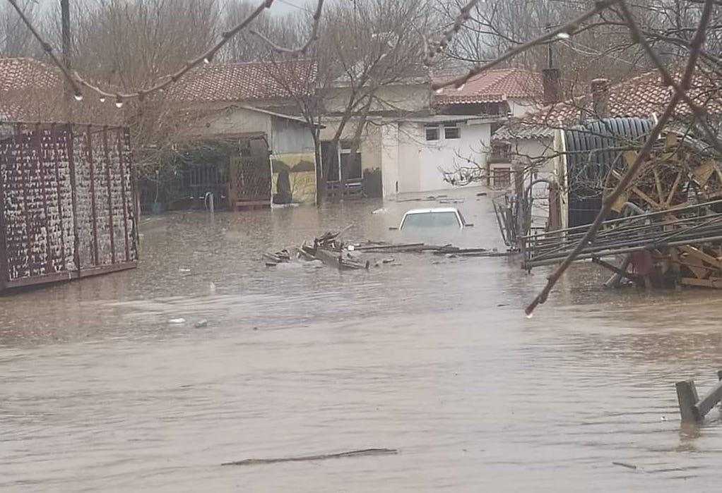 Καιρός – Ροδόπη: Χαμένες περιουσίες στις πλημμύρες – Συγκλονιστικές εικόνες σε περιοχές που ξεσπιτώθηκαν άνθρωποι