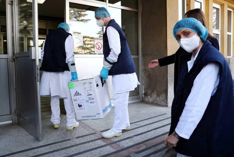 Pfizer: Κατά 29% μειωμένες οι δόσεις εμβολίου κατά του κορονοϊού στην Ιταλία την ερχόμενη εβδομάδα