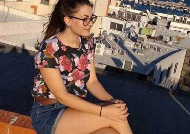 Συγκλονίζει ο πατέρας της Ελένης Τοπαλούδη ανήμερα των γενεθλίων της – Η φωτογραφία από τον τάφο της