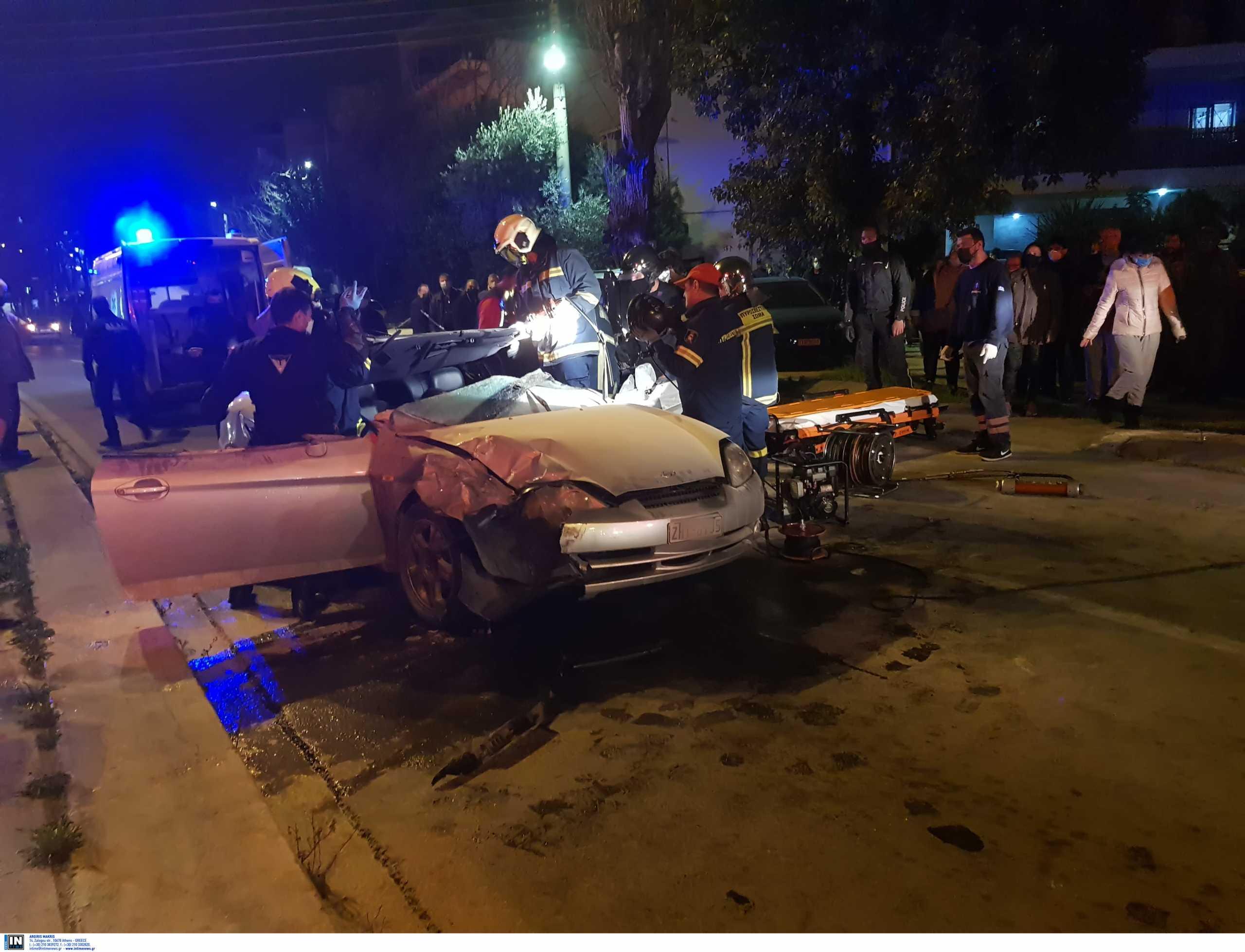 Σοβαρό τροχαίο στην Καλογρέζα – Πυροσβέστες απεγκλώβισαν τον οδηγό