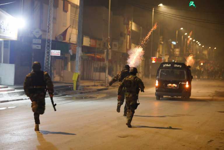 Χίλιοι διαδηλωτές έχουν συλληφθεί στην Τυνησία