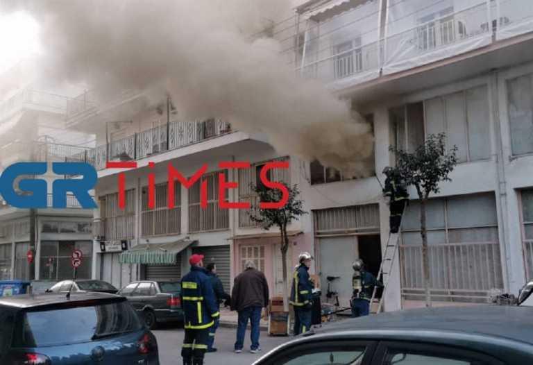 Θεσσαλονίκη: Φωτιά σε αποθήκη ρουχισμού (pics, video)