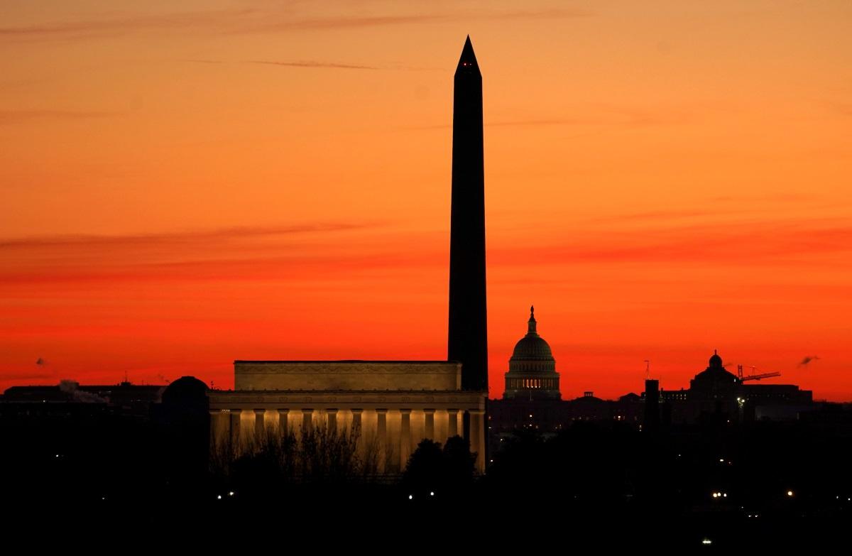 ΗΠΑ: Φόβος νέων επεισοδίων ενόψει ορκωμοσίας Μπάιντεν – Κλείνει άρον άρον το Μνημείο του Ουάσινγκτον
