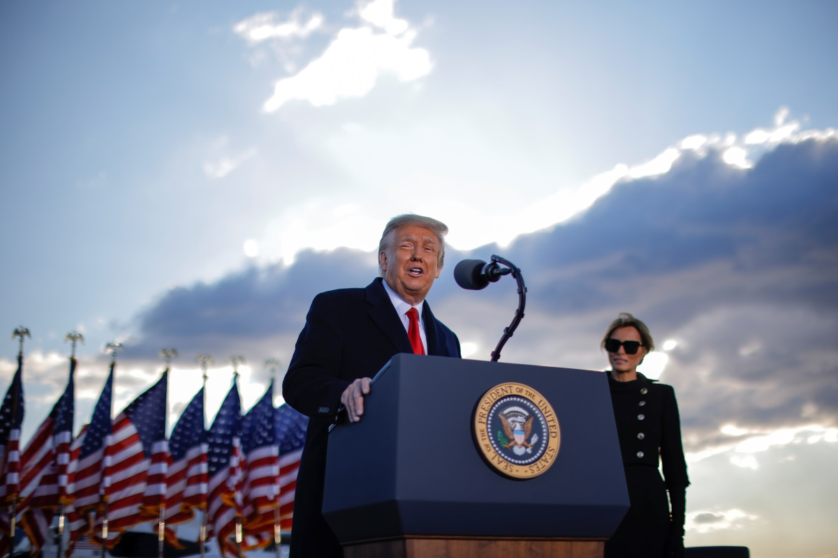 ΗΠΑ: Πάνω από τους μισούς Ρεπουμπλικανούς πιστεύουν ακόμα ότι ο Τραμπ νίκησε στις εκλογές
