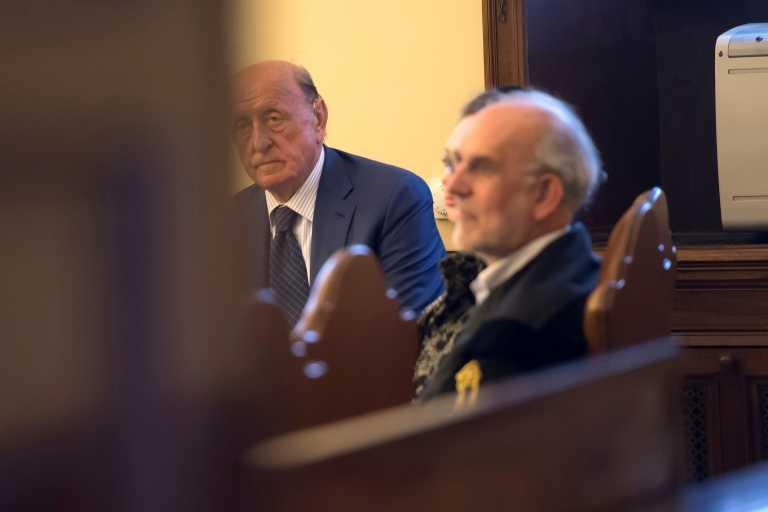 Καταδικάστηκε σε ποινή κάθειρξης για υπεξαίρεση και ξέπλυμα χρήματος ο πρώην διοικητής της τράπεζας του Βατικανού
