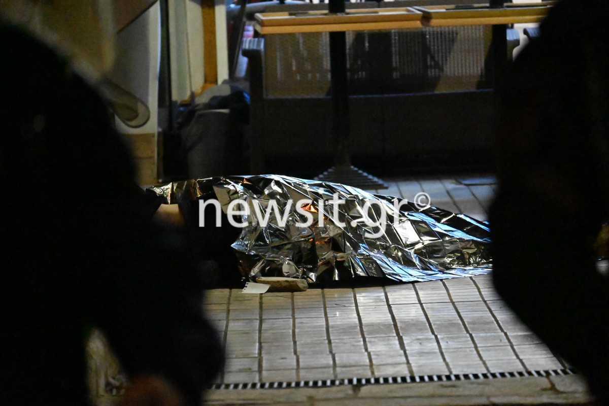 Άγιος Σώστης: Σε σοβαρή κατάσταση οι γιοι του θύματος – Τραυματίστηκε και σερβιτόρα της καφετέριας (pics, video)