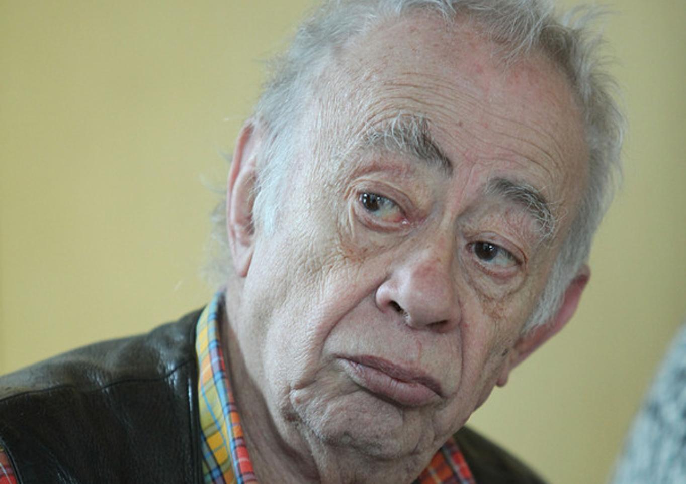 Πέθανε ο σπουδαίος συγγραφέας Βασίλης Αλεξάκης