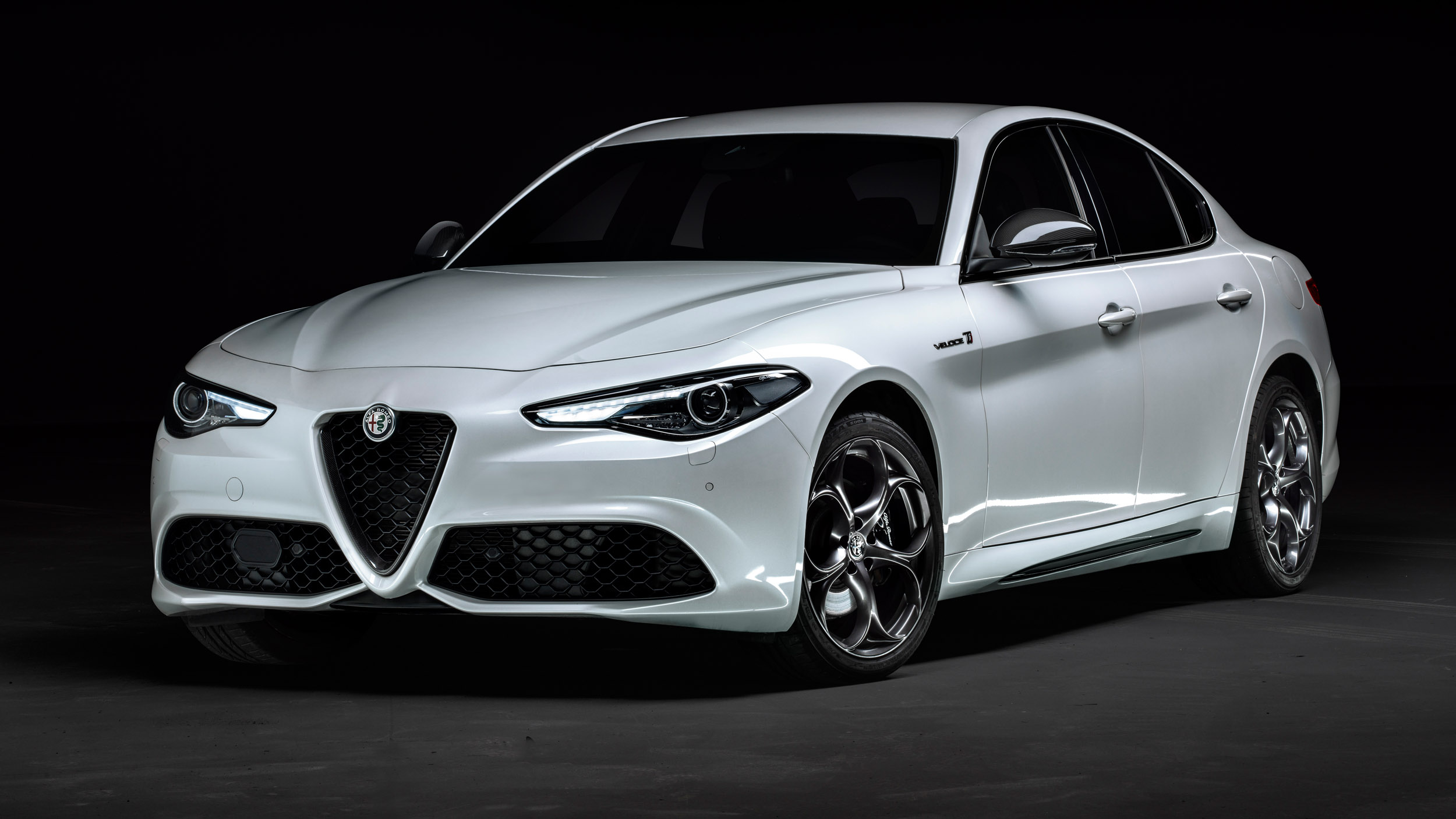 Χαμηλότερες τιμές για την Alfa Romeo Giulia