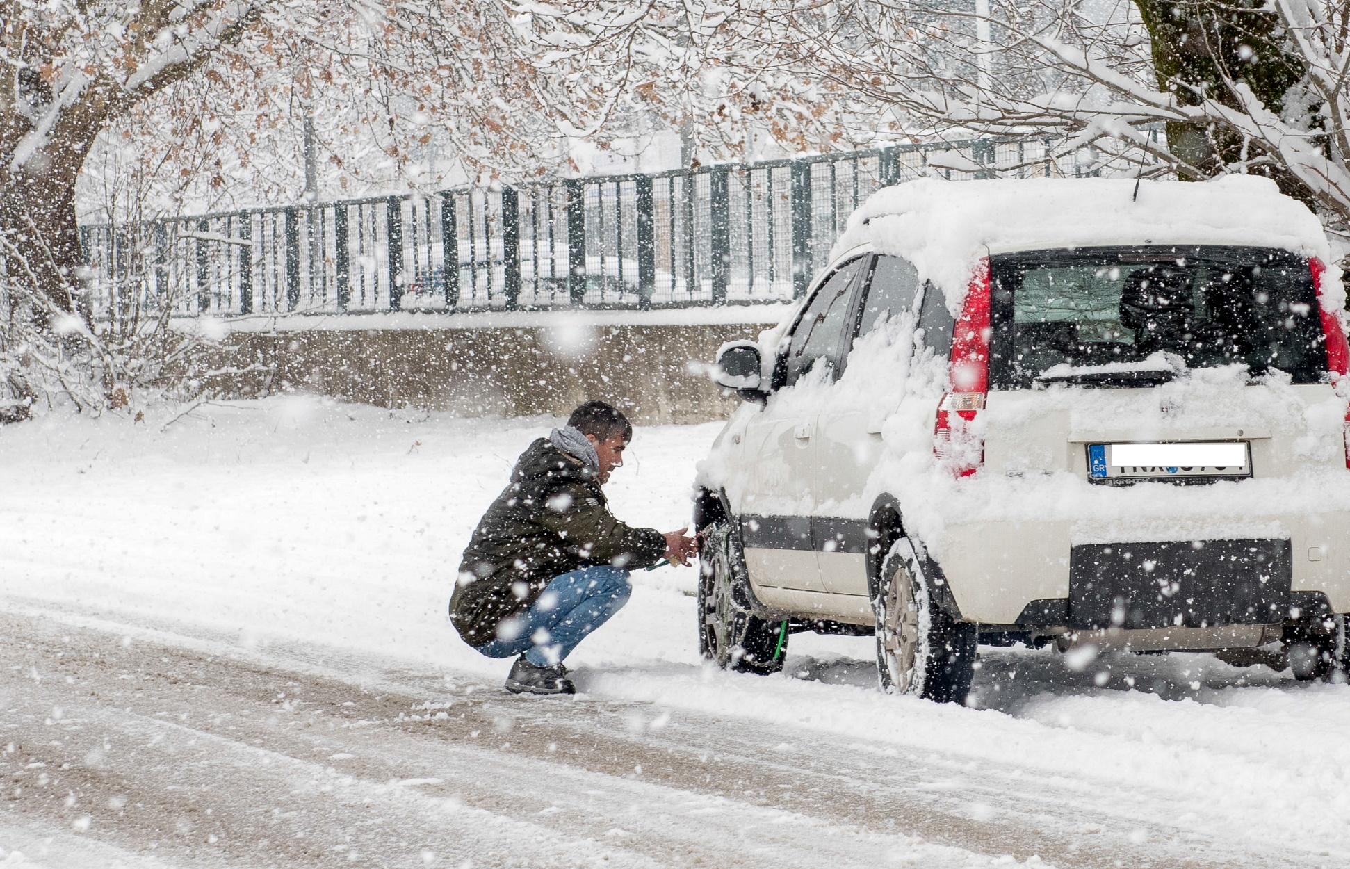 Καιρός – Κακοκαιρία Μήδεια: Πού έχει διακοπεί η κυκλοφορία λόγω του χιονιά