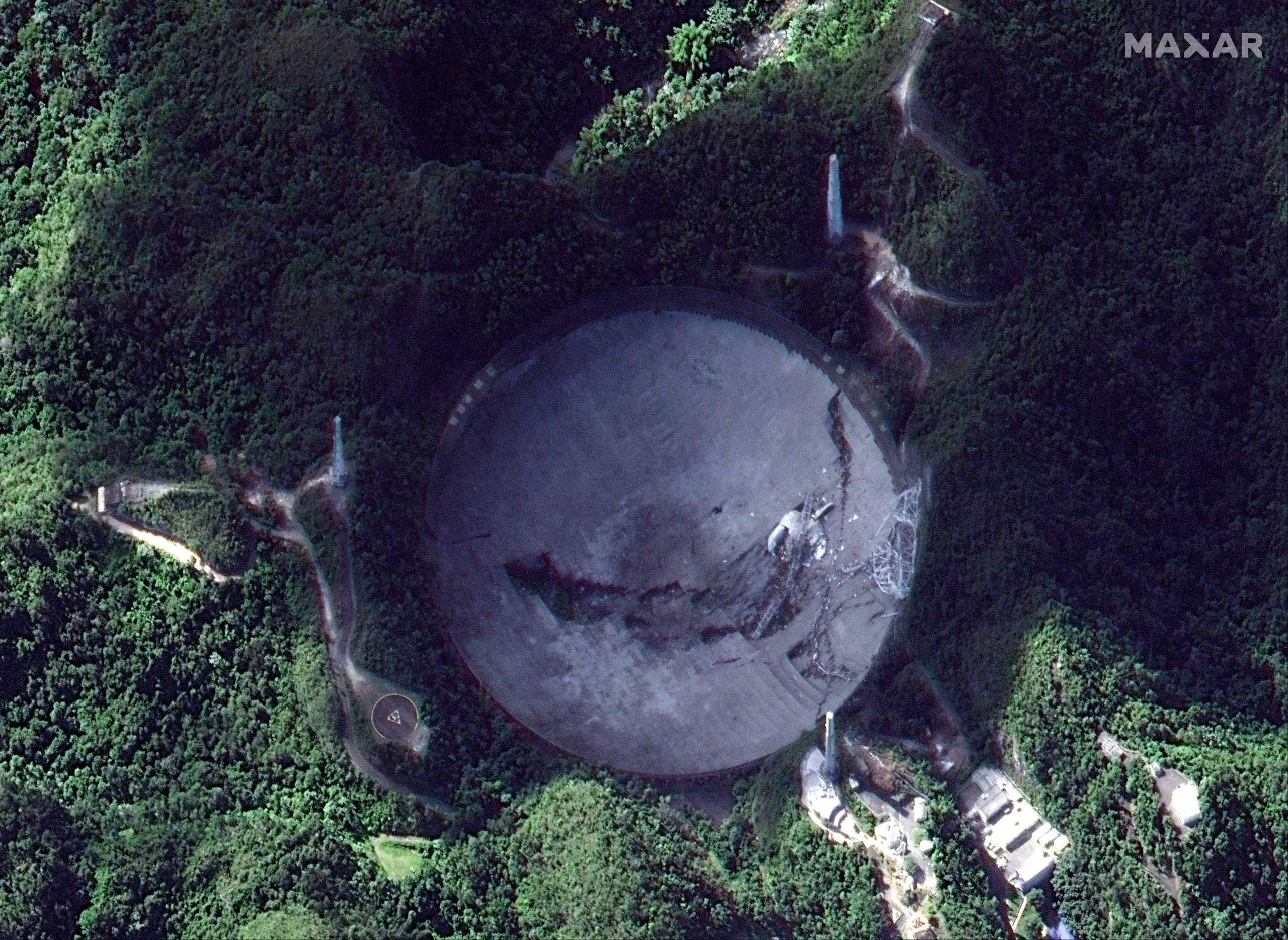 Πουέρτο Ρίκο: 8 εκατ. δολάρια για να ξεκινήσει η ανακατασκευή του τηλεσκοπίου του Αρεσίμπο
