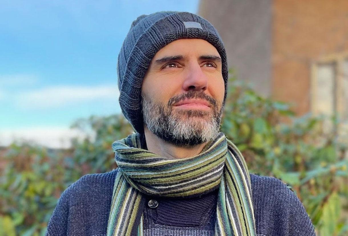 Ο Έλληνας που παράτησε τα video games για να «συστήσει» μελομακάρονα και κουραμπιέδες στους Βρετανούς
