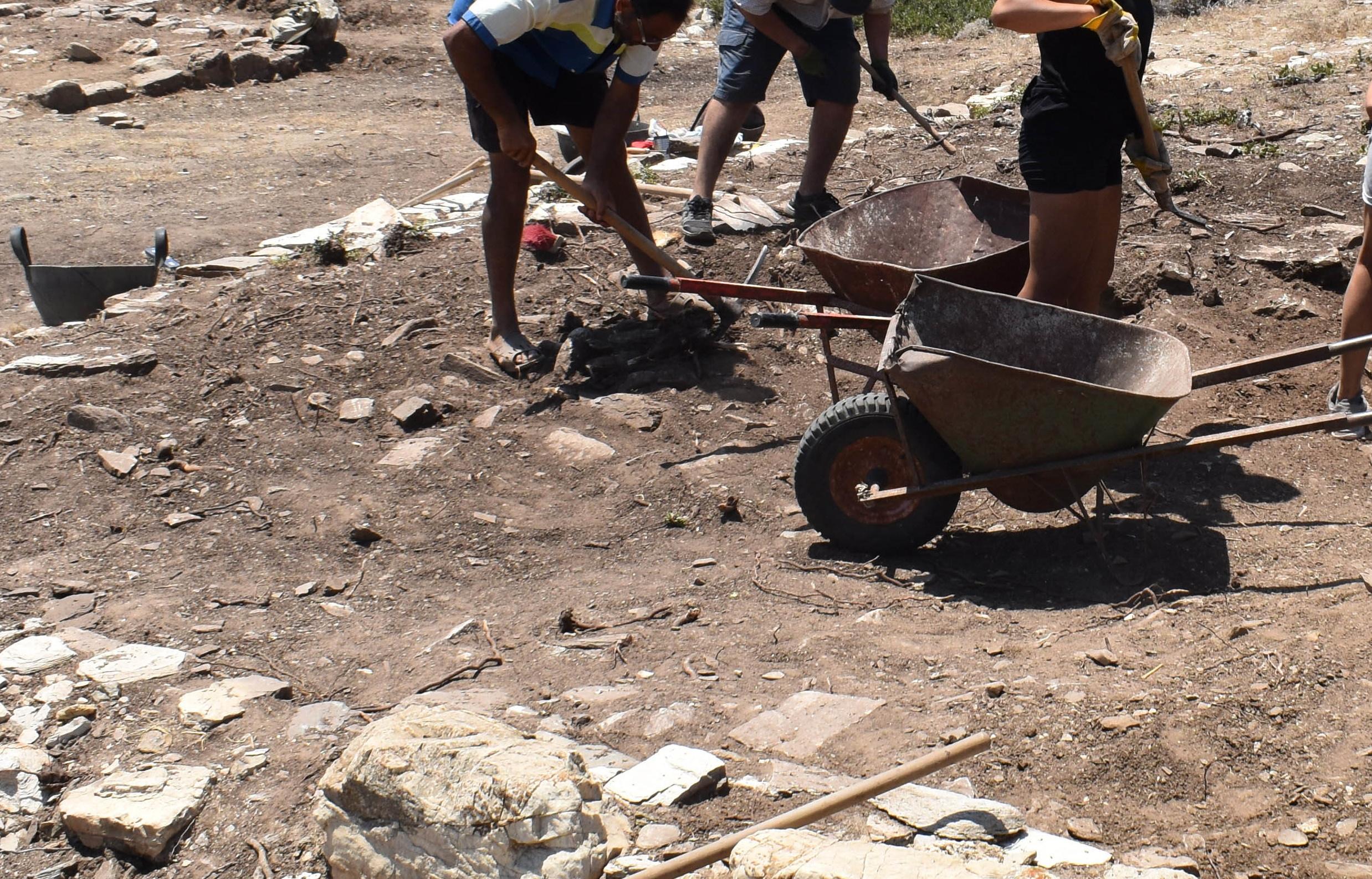 Πέθανε ο σπουδαίος αρχαιολόγος Σινκλέρ Χουντ – Συμμετείχε σε ανασκαφές στην Κνωσό