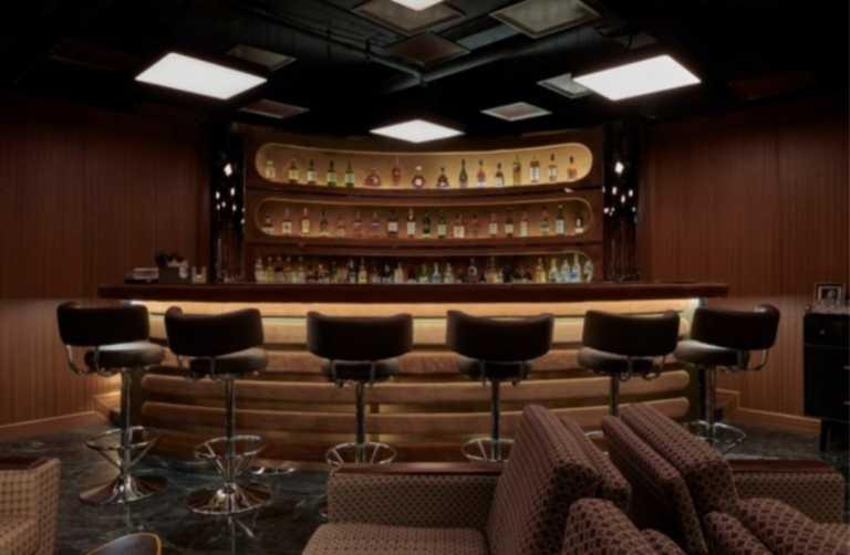 """Ένα μπαρ με έμπνευση την διάσημη σειρά """"Mad Men"""""""