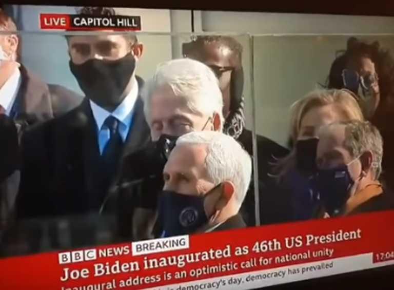 Έγινε viral ο Μπιλ Κλίντον – Κοιμήθηκε στην ομιλία του Τζο Μπάιντεν (video)