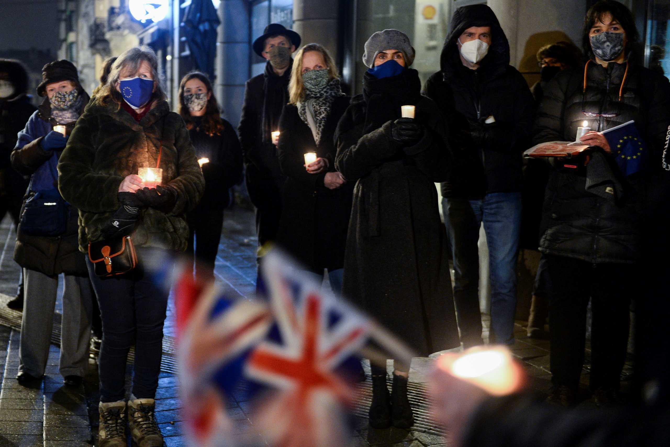 Το Brexit είναι γεγονός και ο βρετανικός Τύπος διχάζεται