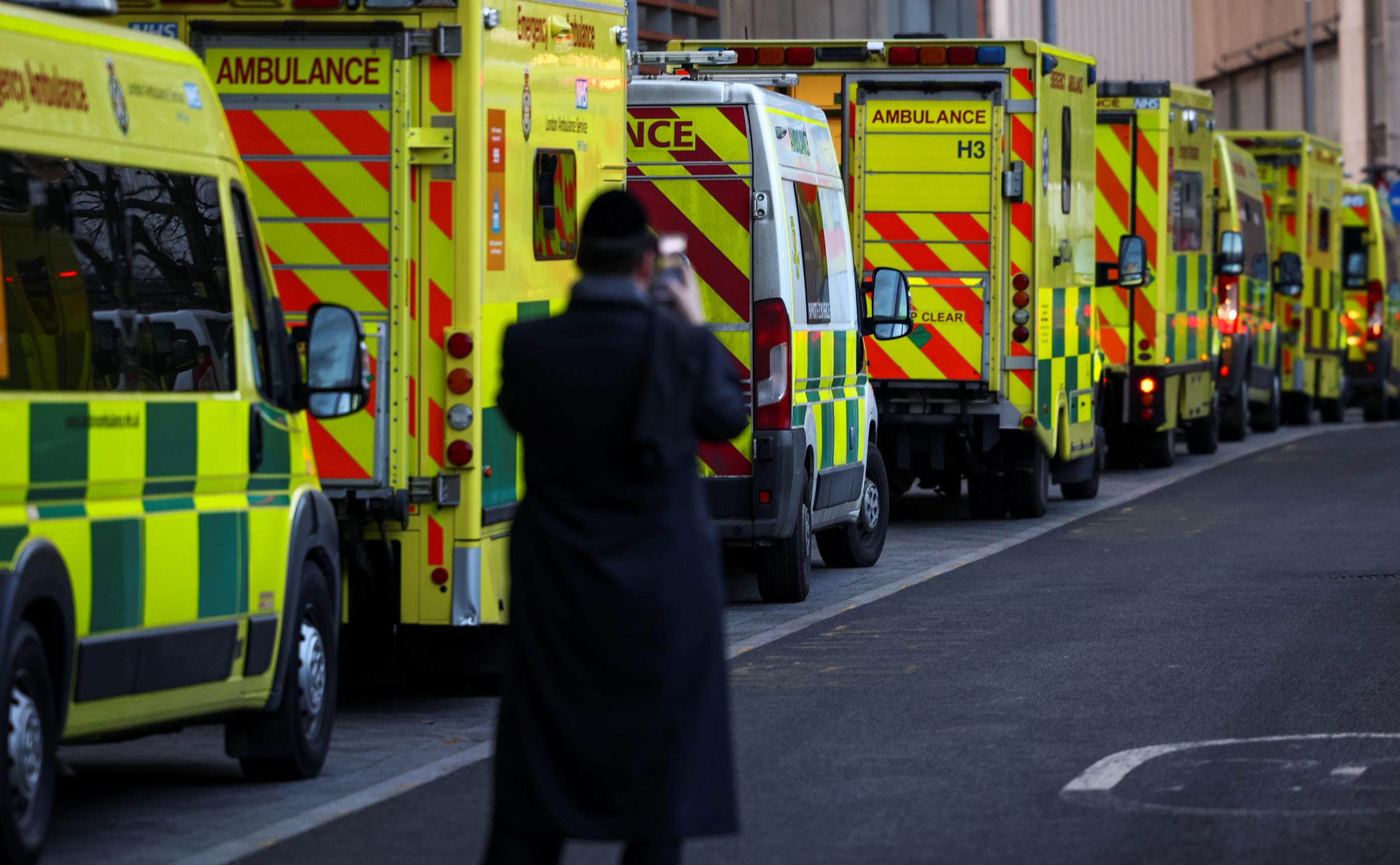 Κορονοϊός: Πάνω από 1.200 νεκροί και 45.000 κρούσματα στη Βρετανία