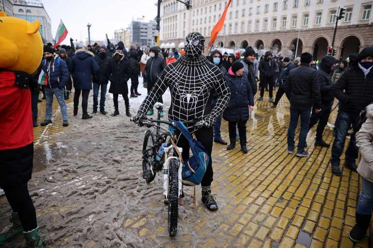 Βουλγαρία: Εκατοντάδες επιχειρηματίες και εργαζόμενοι στην εστίαση βγήκαν στους δρόμους