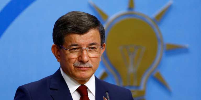 Απίστευτη δήλωση Νταβούτογλου: Ο Ερντογάν θα «εκκαθαριστεί» από «στρατιωτικά στοιχεία»