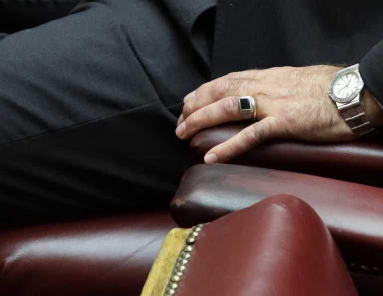 Τι συμβολίζει το δαχτυλίδι ανάλογα στο δάχτυλο με το οποίο το φοράς