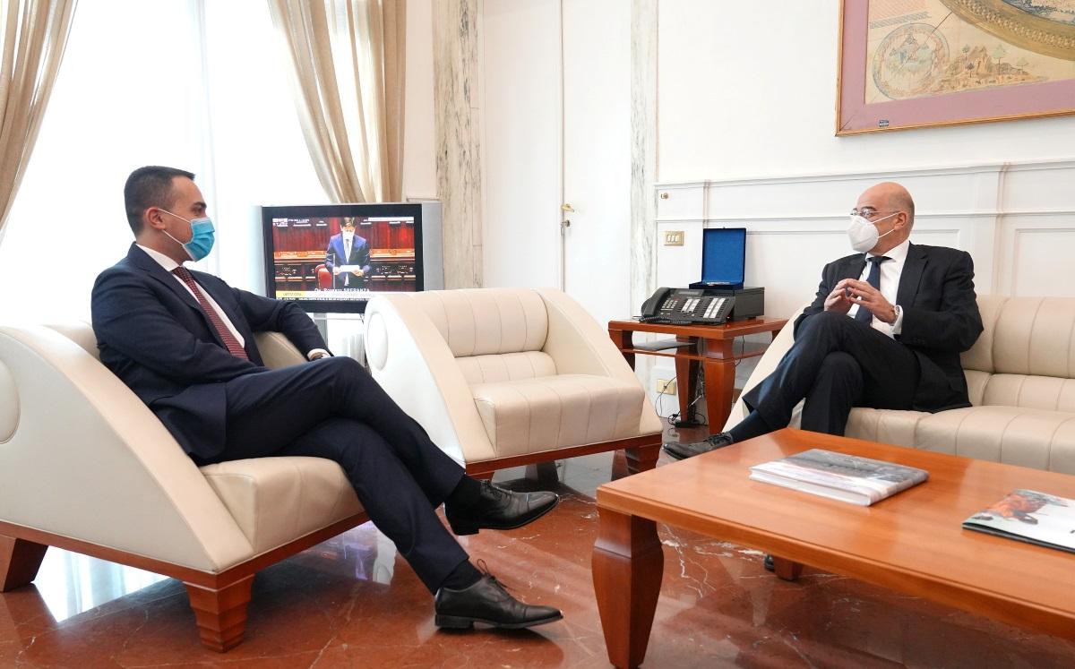 Δένδιας σε Ντι Μάιο: Θα επιθυμούσαμε ισχυρότερη Ιταλική στήριξη στο θέμα των κυρώσεων απέναντι στην Τουρκία