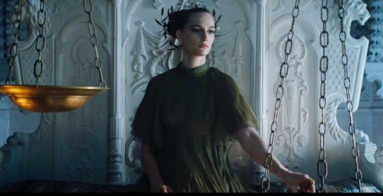 Μια Ελληνίδα στην μαγευτική καμπάνια του οίκου Dior (pics, vid)