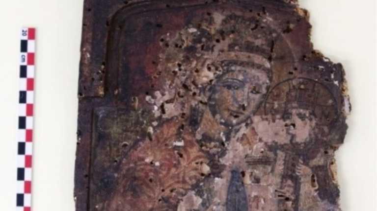 Δράμα: Έναν θρησκευτικό θησαυρό αποκάλυψε θάνατος μητέρας και γιου – Έκρυβαν 380 εικόνες (pics)