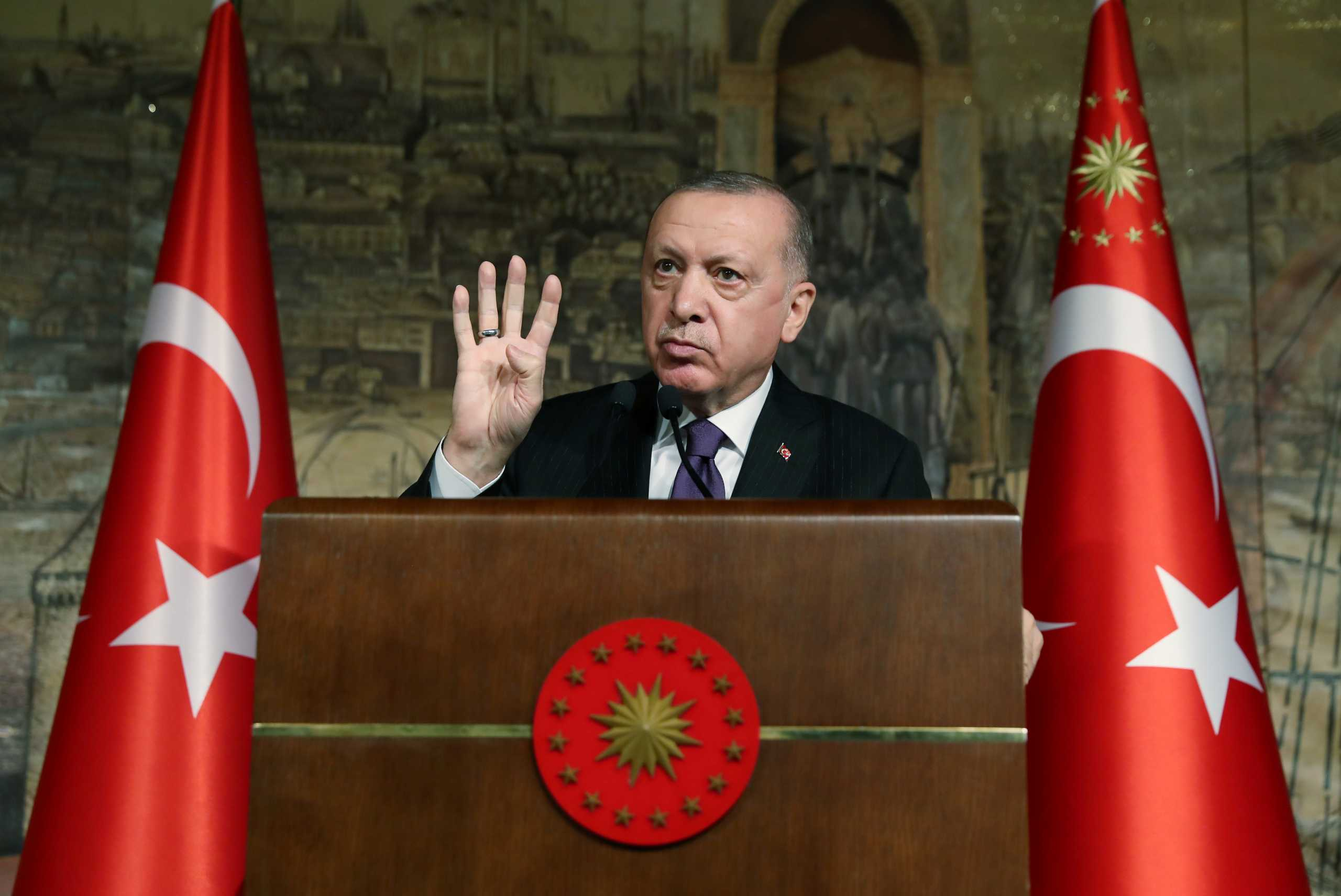 Ερντογάν: Αιχμηρή ομιλία για «Γαλάζια Πατρίδα» και τουρκολιβυκό μνημόνιο