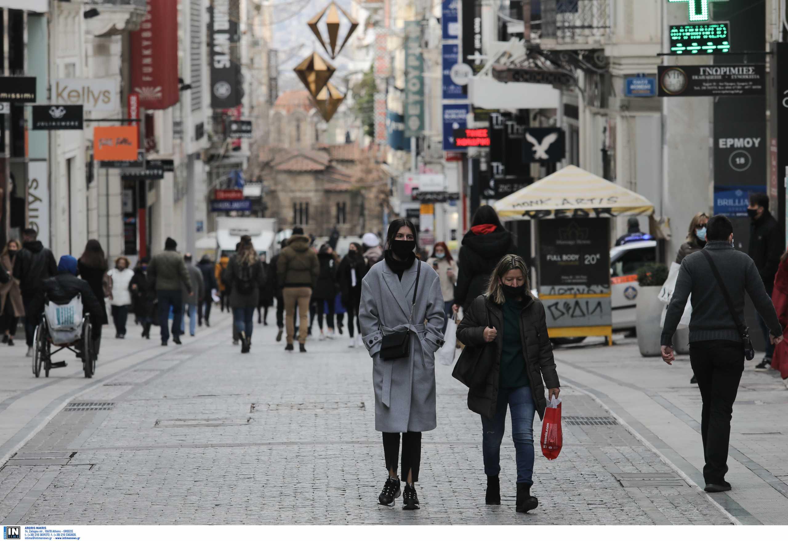 Αττική: «Βράζει» με 409 νέα κρούσματα – Πάνω από 100 στο κέντρο της Αθήνας