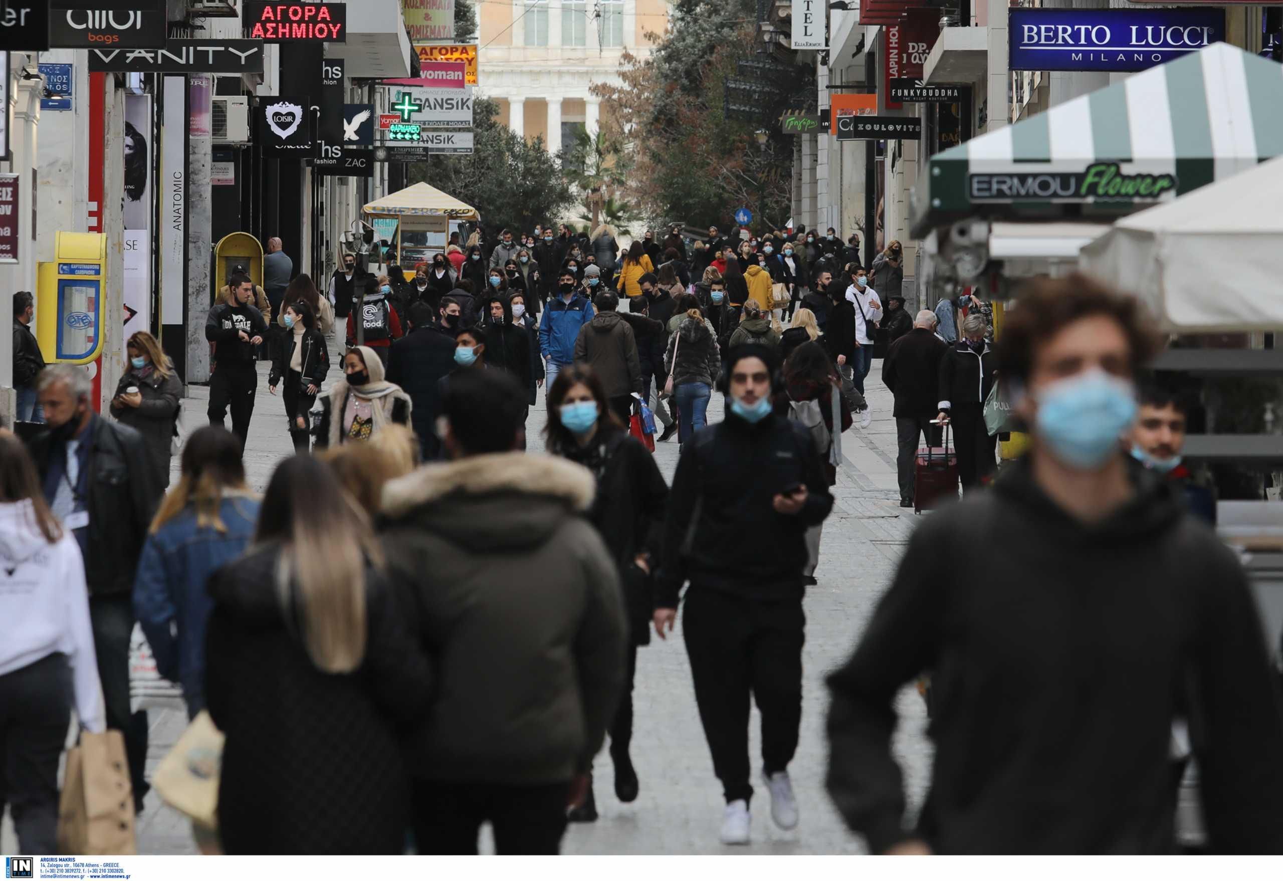 Η πορεία της πανδημίας φοβίζει τους επιστήμονες: Έως 50.000 τα ενεργά κρούσματα – Προτείνουν περιορισμό μετακινήσεων