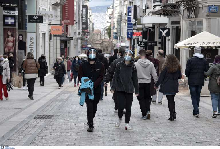 Ανοιχτά μαγαζιά και «βούλιαξαν» από κόσμο Αθήνα και Θεσσαλονίκη – «Βροχή» τα sms