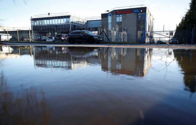 Ουαλία: Εκκενώθηκε εργοστάσιο παρασκευής εμβολίων της Astra Zeneca