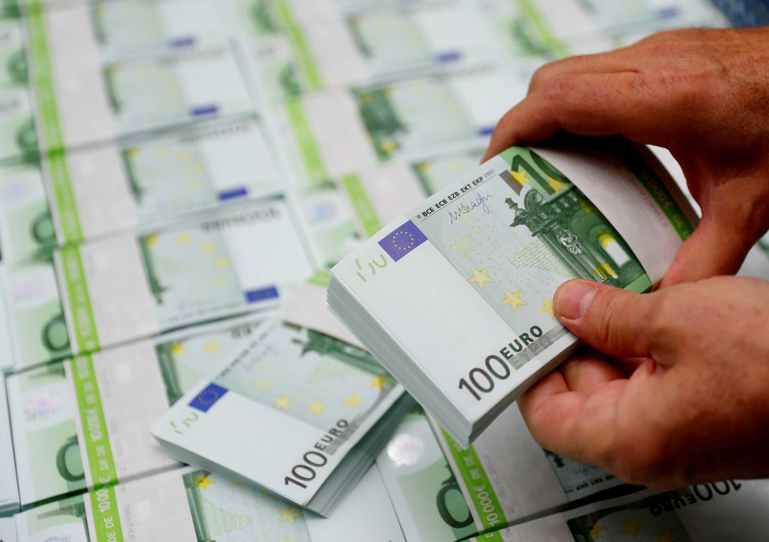 Πλαστά χαρτονομίσματα αγνοούνται: Ιστορικό χαμηλό στην Ευρωζώνη το 2020