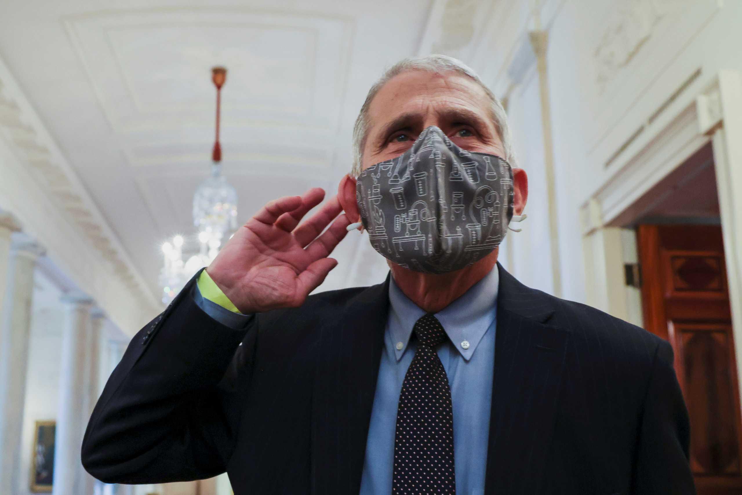 ΗΠΑ – Κορονοϊός: Απαισιόδοξη πρόβλεψη Φάουτσι – «Μάσκες και το 2022»
