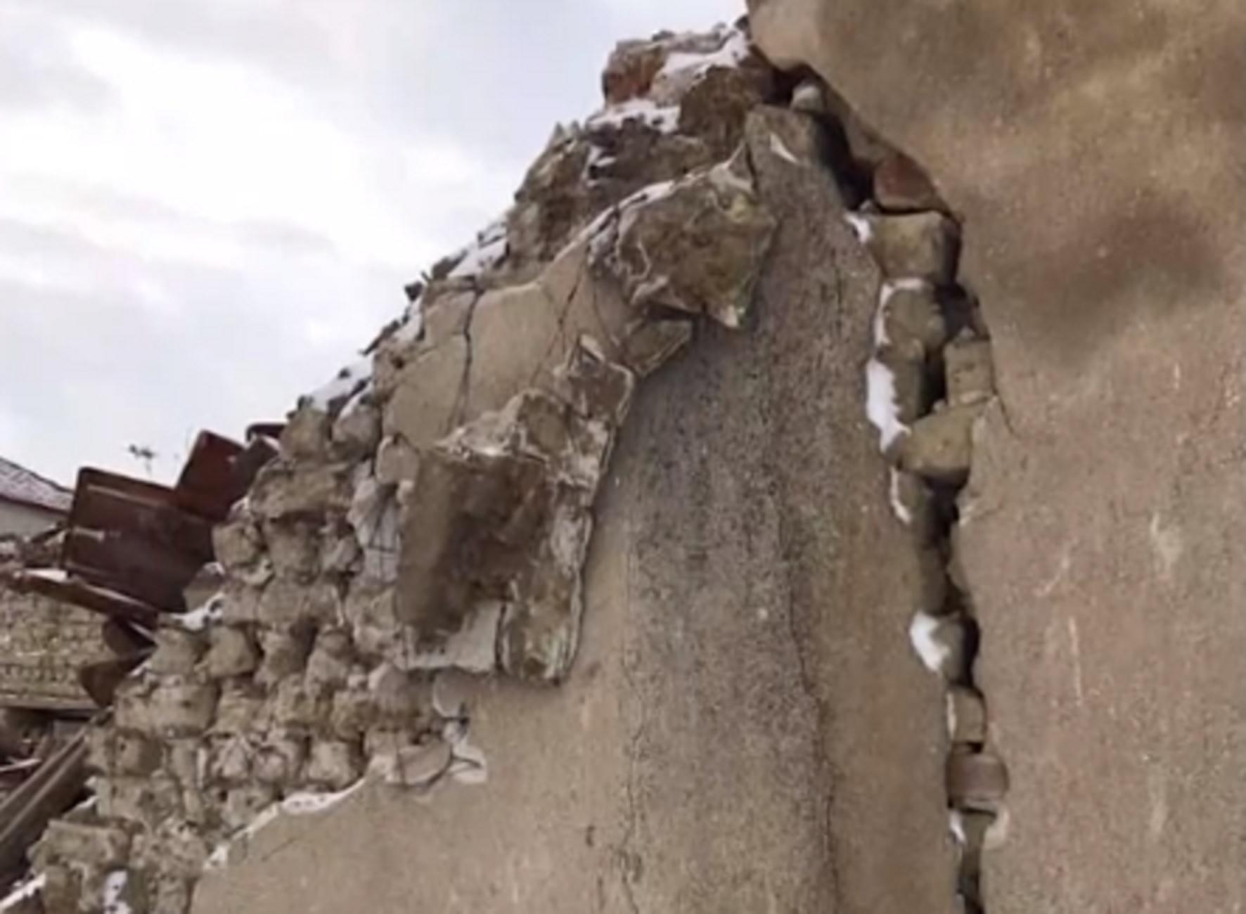 Φλώρινα: Φοβούνται ότι θα ανοίξει η γη και θα τους καταπιεί – Αυτό είναι το χωριό που κινδυνεύει να σβήσει από τον χάρτη (video)
