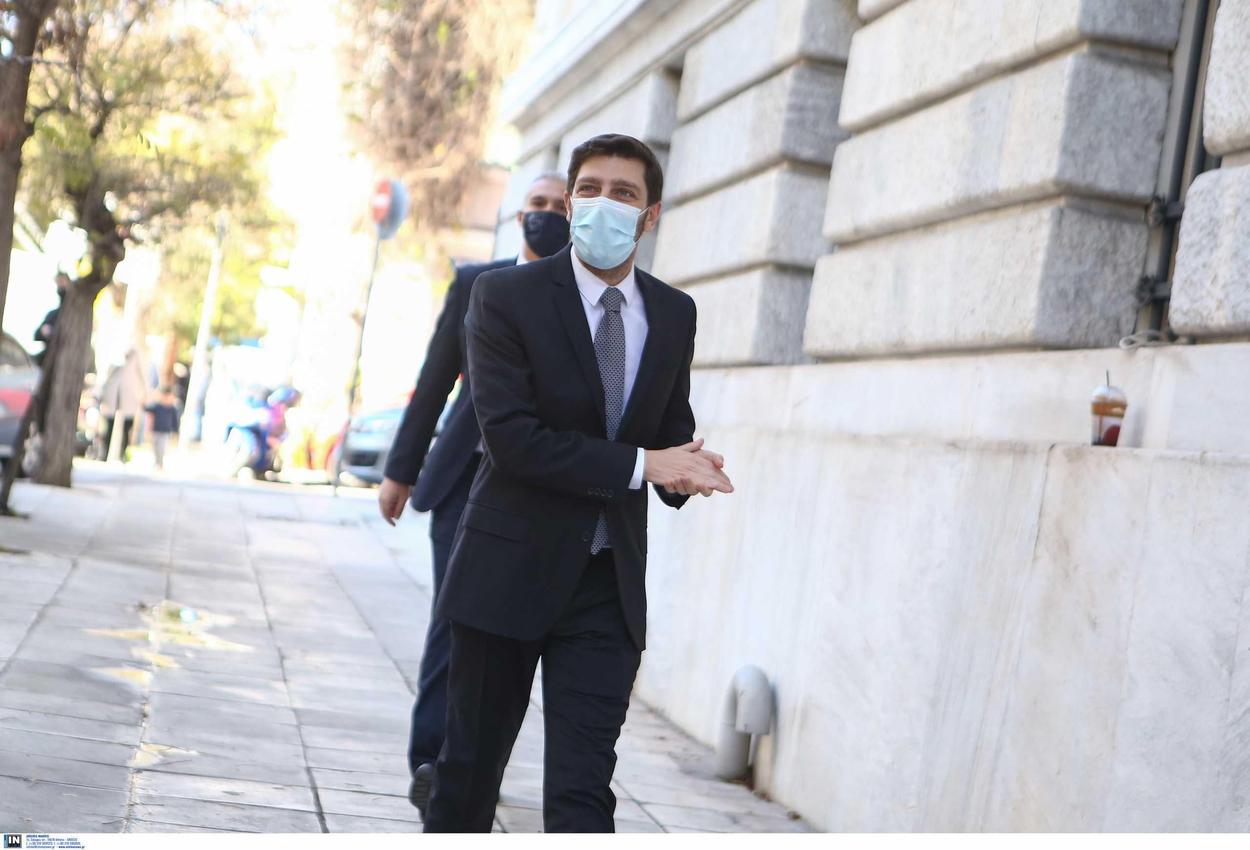 Γιατρομανωλάκης: Μεγάλη ευθύνη να δοθεί υπουργική θέση σε έναν ανοικτά δηλωμένο ομοφυλόφιλο