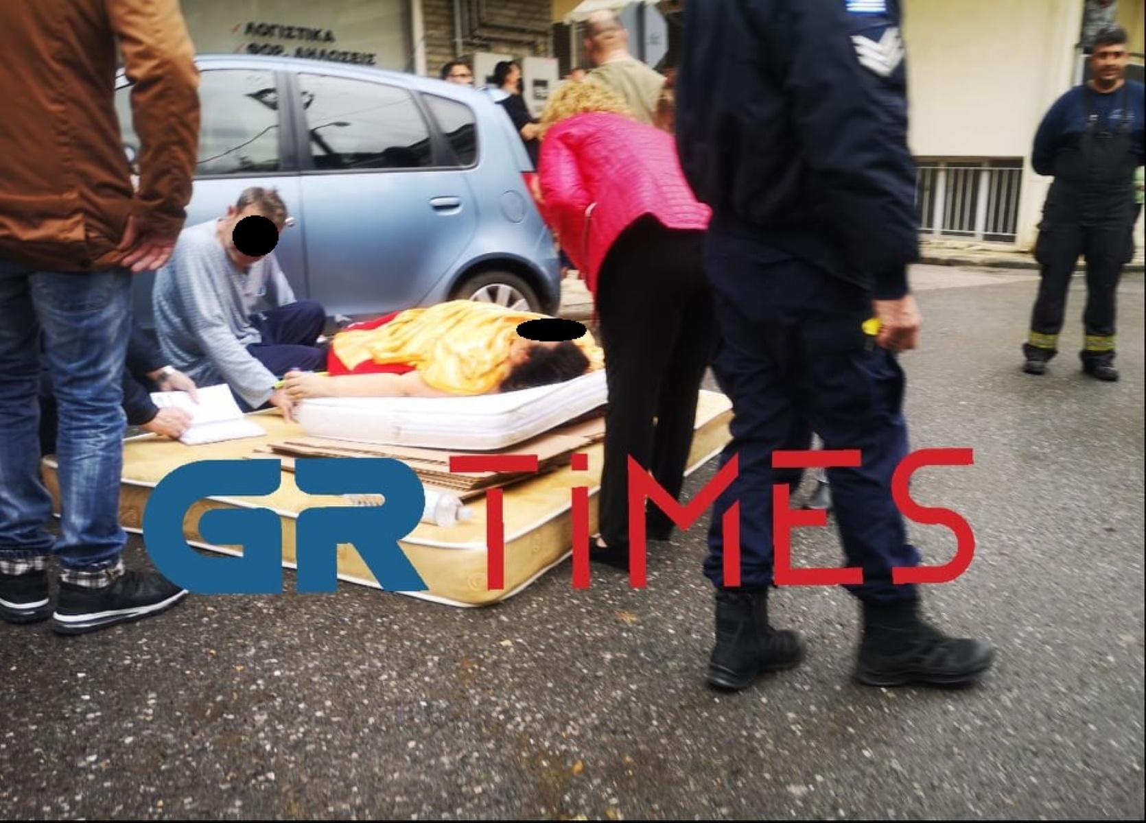Θεσσαλονίκη: Ξέχασε τα κλειδιά της και βρέθηκε κρεμασμένη από μπαλκόνι (pics, video)