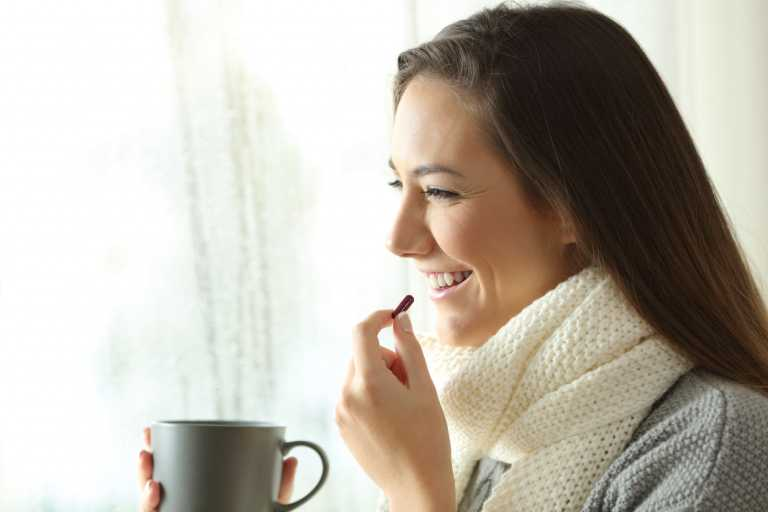 Τρεις βιταμίνες συνδέονται με λιγότερα κρυολογήματα και πνευμονικές διαταραχές