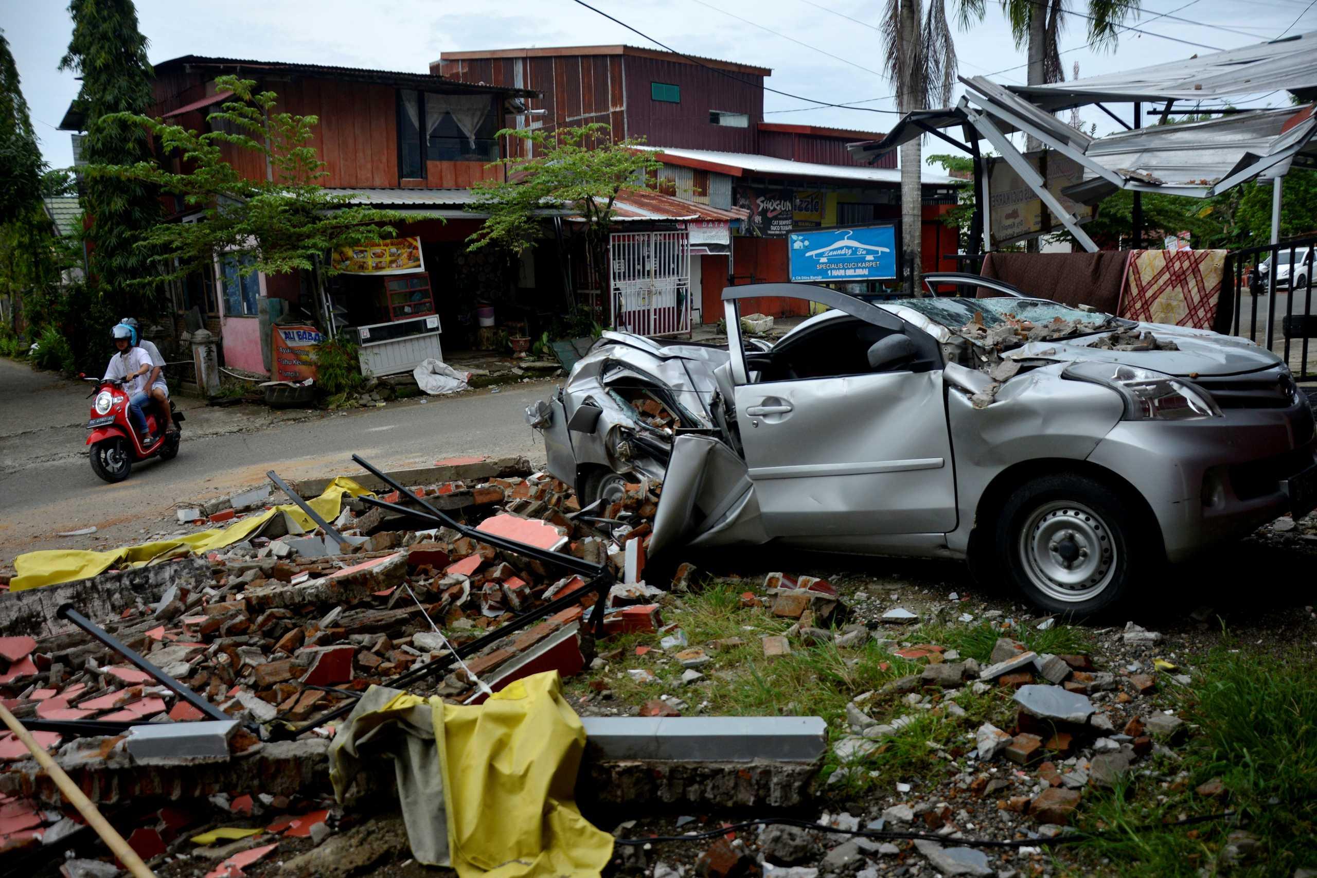 Στο έλεος της φύσης η Ινδονησία: Καταρρακτώδεις βροχές μετά τον καταστροφικό σεισμό (pics)
