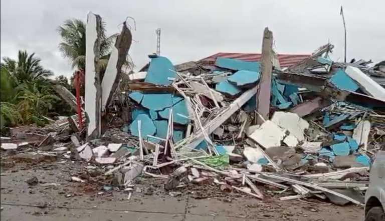 Ινδονησία: 42 νεκροί και εκατοντάδες τραυματίες ο τραγικός απολογισμός του σεισμού των 6,2 Ρίχτερ