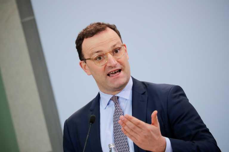 Γενς Σπαν: Η Γερμανία υπέρ της εισαγωγής ενιαίου ευρωπαϊκού πιστοποιητικού εμβολιασμού