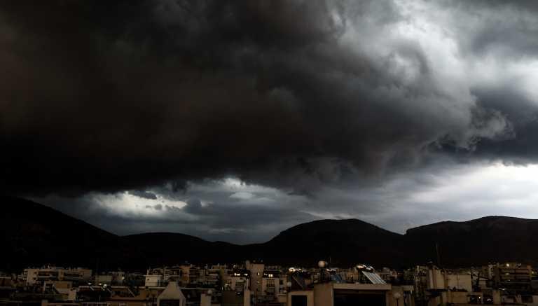 Καιρός: Έρχεται νέο «κύμα» με καταιγίδες και ισχυρούς ανέμους – Που και πότε θα χτυπήσει