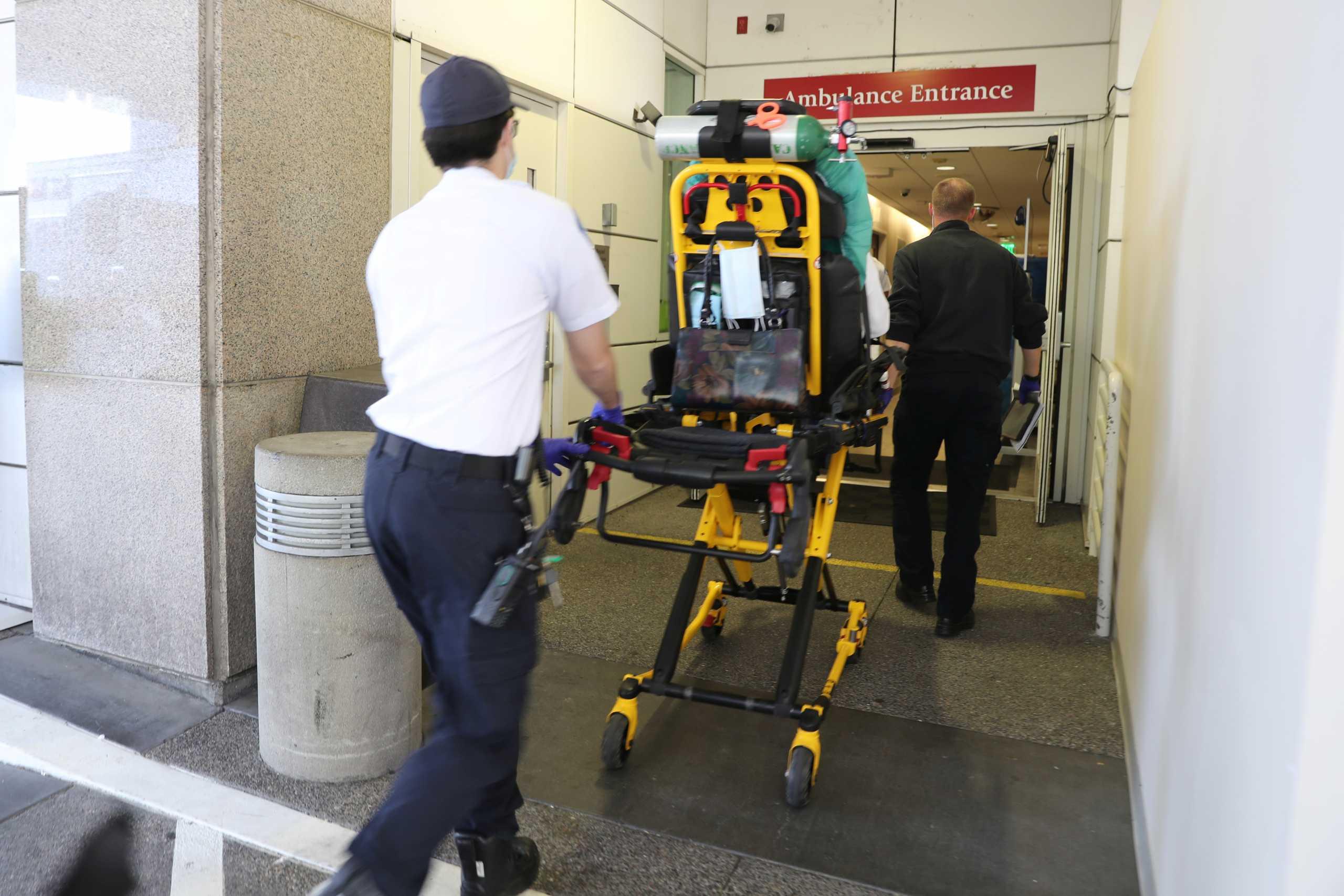 Καλιφόρνια: «Φράκαραν» από νεκρούς τα νοσοκομεία – Ασθενείς με κορονοϊό περιμένουν… σε ουρές