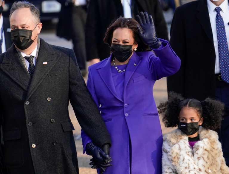 Ξέσπασε σε γέλια η Κάμαλα Χάρις στη Γερουσία (video)