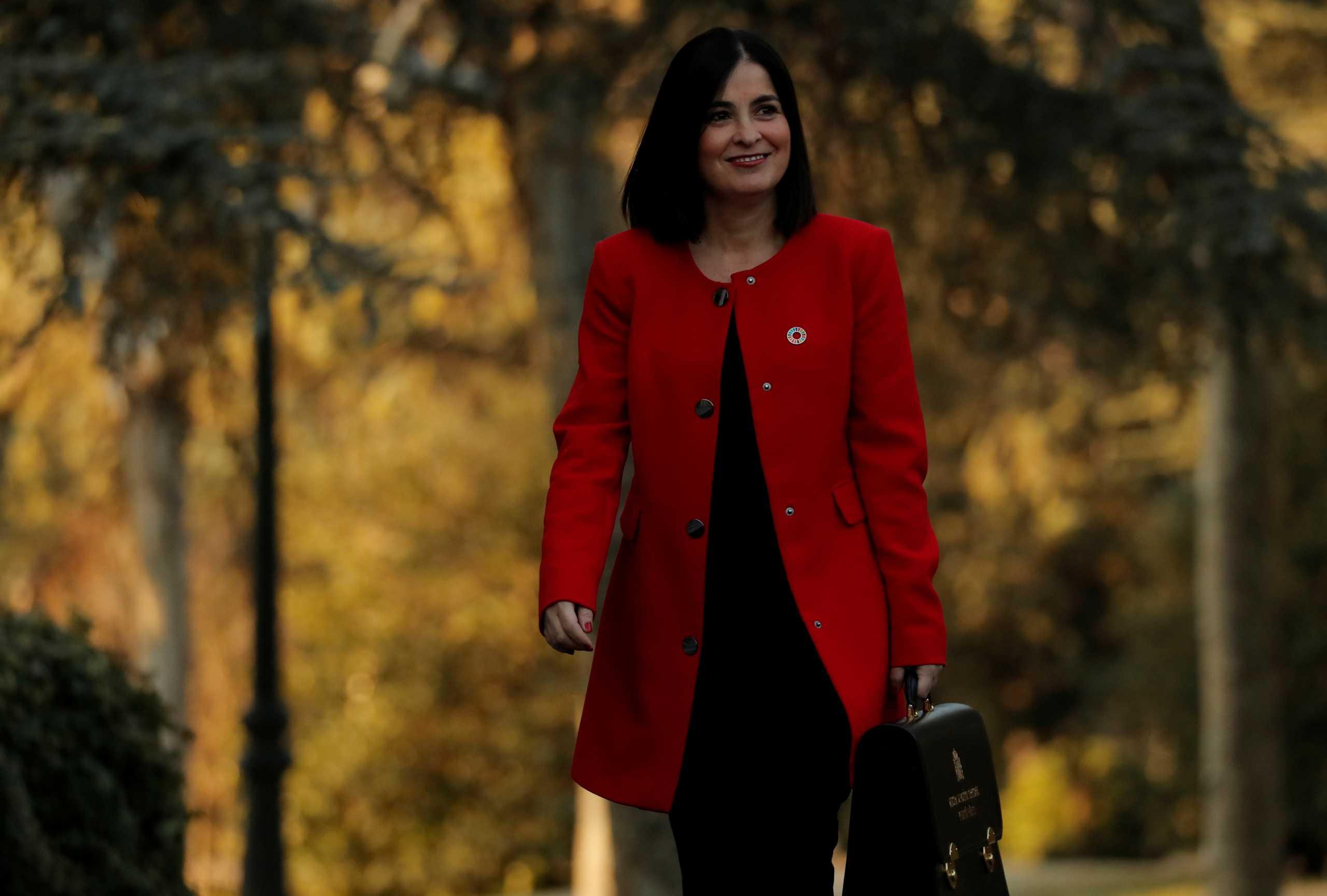 Ισπανία: Αυτή είναι η νέα υπουργός Υγείας – Κατευθείαν στα βαθιά εν μέσω πανδημίας